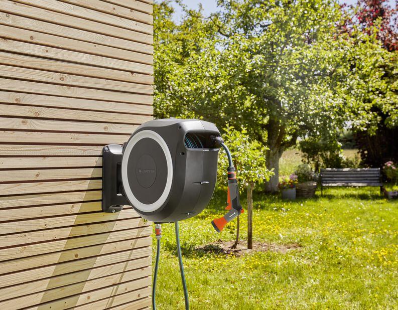 Väggslangbox med extra vattningspistol Gardena, Längd 30 m
